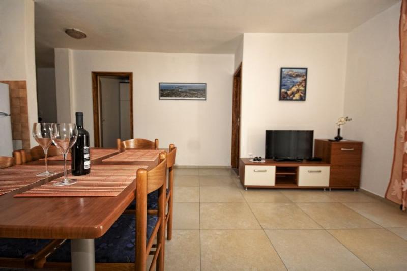 Klicken Sie auf die Grafik für eine größere Ansicht Name:apartman 1 dnevni.jpg Hits:0 Größe:41,6 KB ID:4248