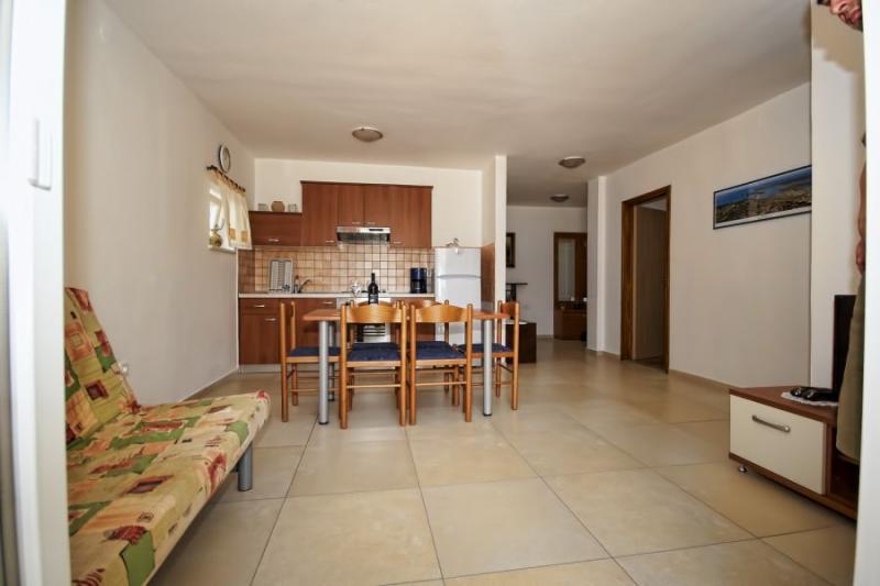 Klicken Sie auf die Grafik für eine größere Ansicht Name:apartman 1 kuhinja.jpg Hits:0 Größe:40,9 KB ID:4251
