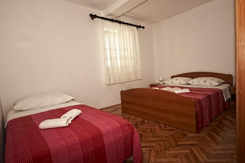 Klicken Sie auf die Grafik für eine größere Ansicht Name:apartman 1 soba bracna.jpg Hits:0 Größe:35,7 KB ID:4252