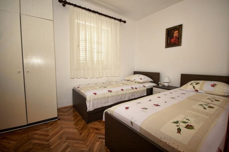 Klicken Sie auf die Grafik für eine größere Ansicht Name:apartman 1 soba.jpg Hits:0 Größe:37,9 KB ID:4254